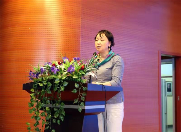 5北京大学教育学院副院长刘云杉讲话并宣读教育部文件.jpg