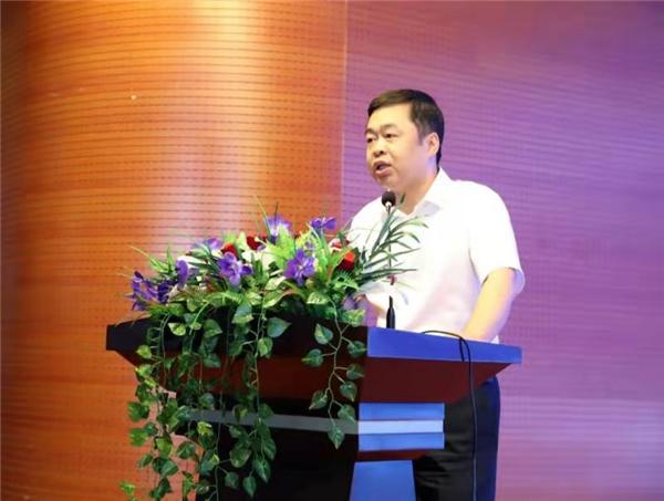 6吉林省教育厅教师工作处副处长于华伟致辞.jpg