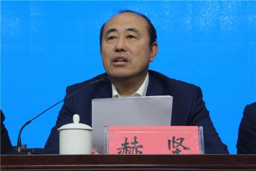 2党委书记赫坚讲话并做主题教育专题党课.JPG