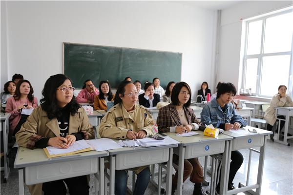 13小学英语评委.JPG